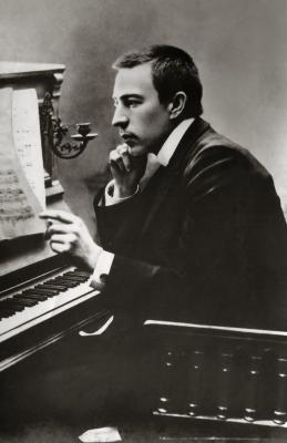 20140819110816-rachmaninoff-1900.jpg